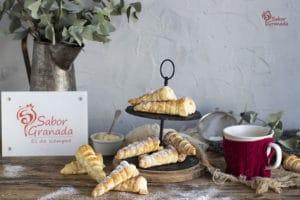Receta para hacer canutillos rellenos de crema pastelera - Sabor Granada