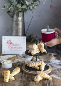 Canutillos rellenos de crema pastelera - Sabor Granada