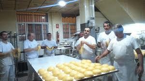 Equipo del obrador de la panadería confitería Molino - Sabor Granada