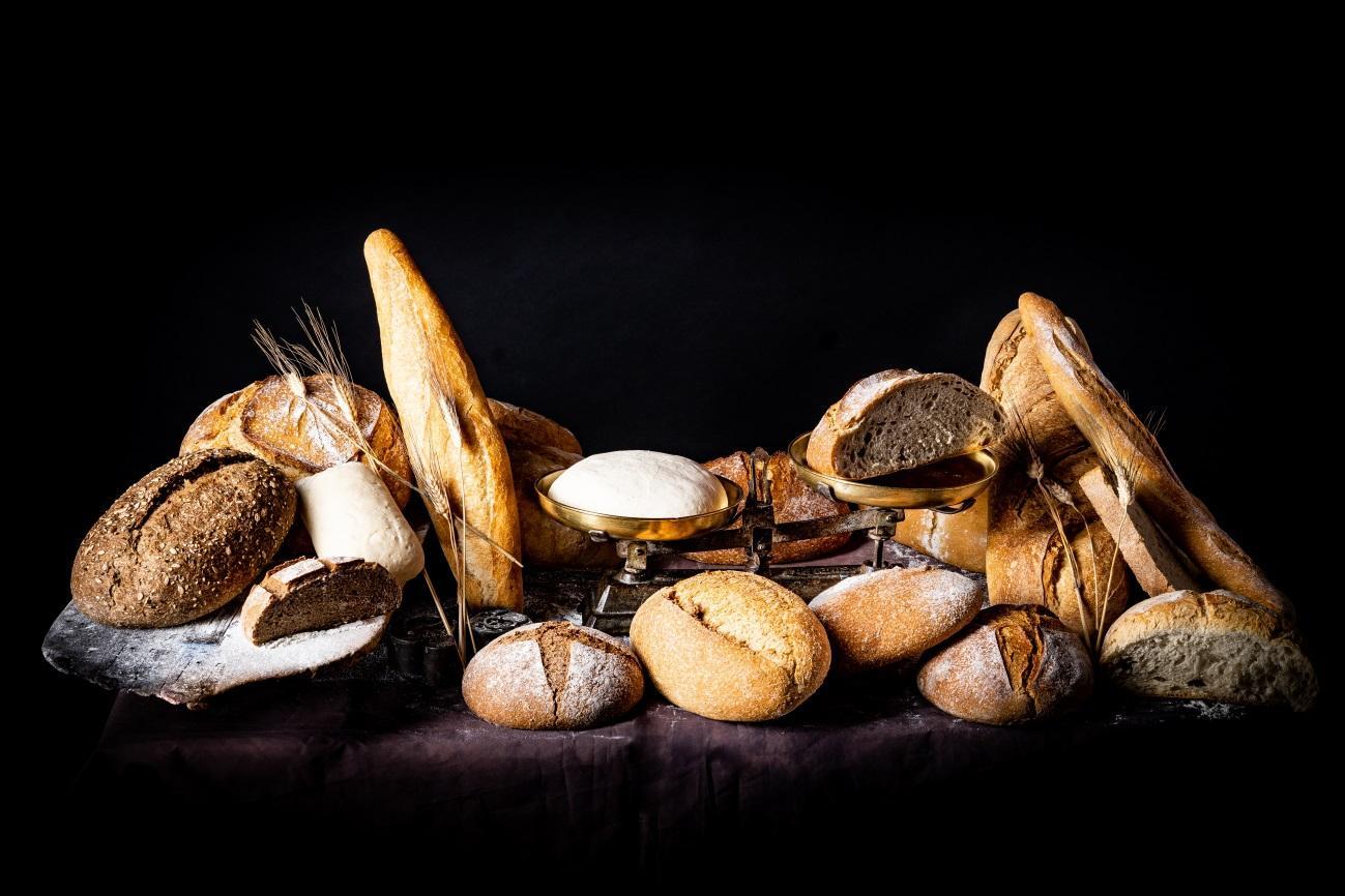 Variedad de panes de Panadería Campillero - Sabor Granada