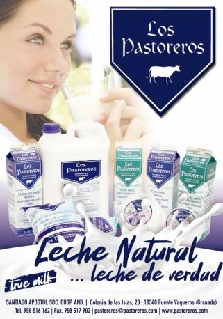 Banner con una mujer junto a productos de Los Pastoreros - Sabor Granada