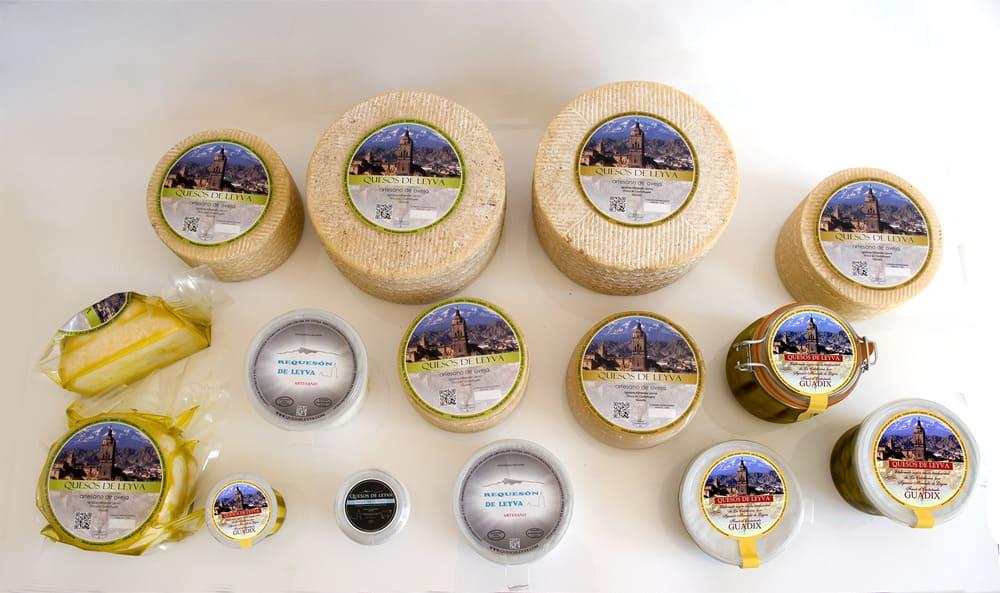Variedad de productos de Quesos Leyva - Sabor Granada