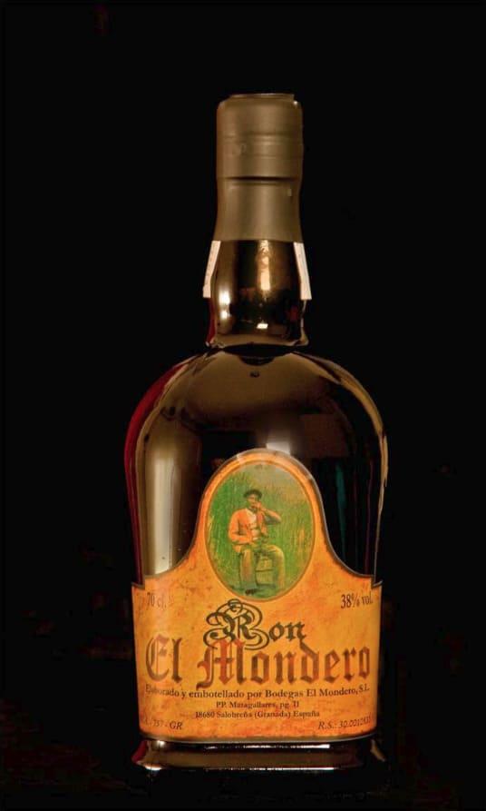 Botella de ron El Mondero - Sabor Granada