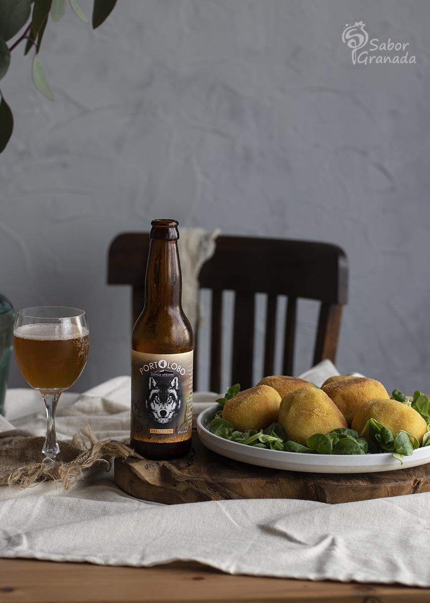 Cervezas Portolobo para acompañar las bombas picantes de patatas - Sabor Granada