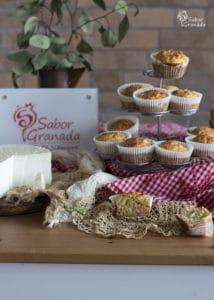 Magdalenas de queso y romero - Sabor Granada