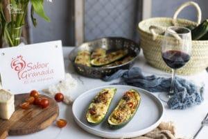 Receta para hacer calabacines rellenos de cherry y queso - Sabor Granada