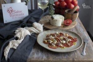 Receta de carpaccio de tomate con anchoas y pistachos - Sabor Granada