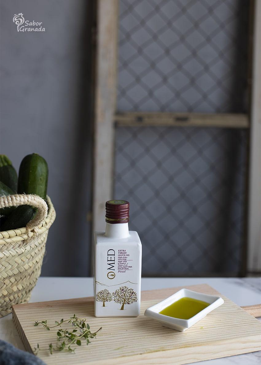 AOVE Omed para hacer calabacines rellenos de tomates cherry y queso al ajo negro - Sabor Granada