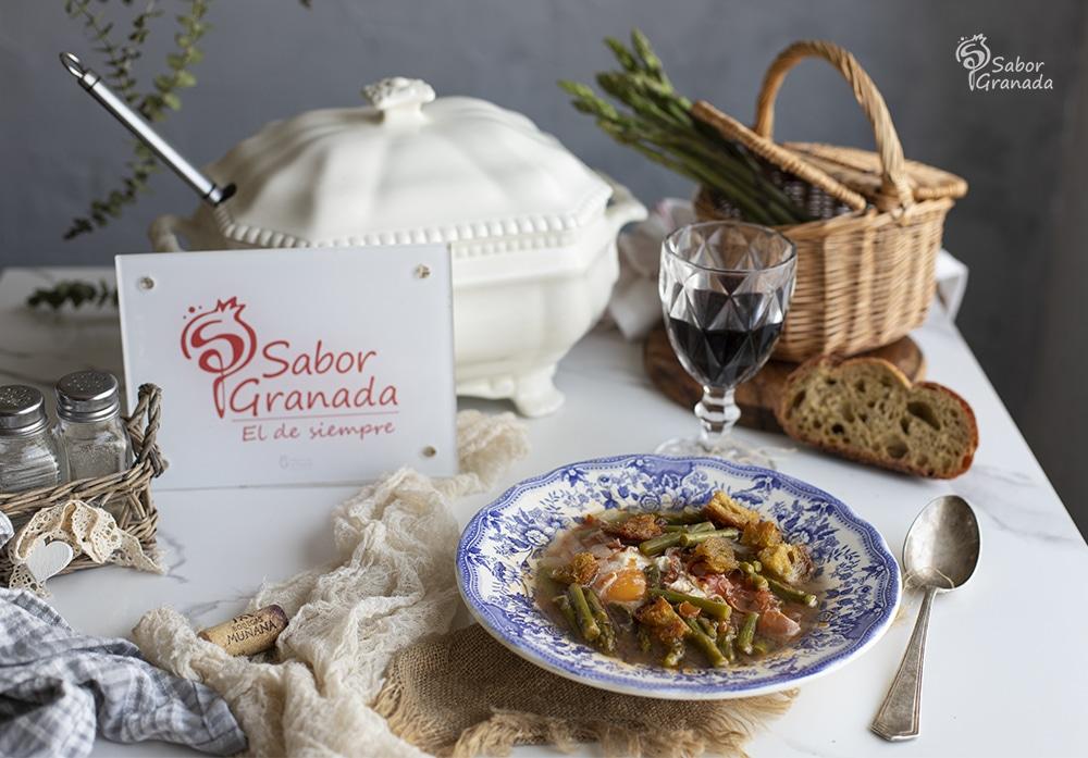 Receta para hacer sopa de espárragos verdes de Huétor Tajar - Sabor Granada