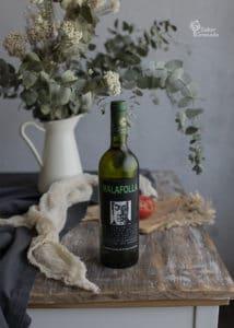 Vino blanco Malafollá de Bodegas Cuatro Vientos para maridar el carpaccio de tomate con anchoas y pistachos - Sabor Granada