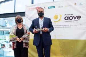 Aceites Roldán Oliva recoge su premio en la categoría Convencional Frutados Verde Maduros de la Séptima Edición de los Premios AOVE Sabor Granada