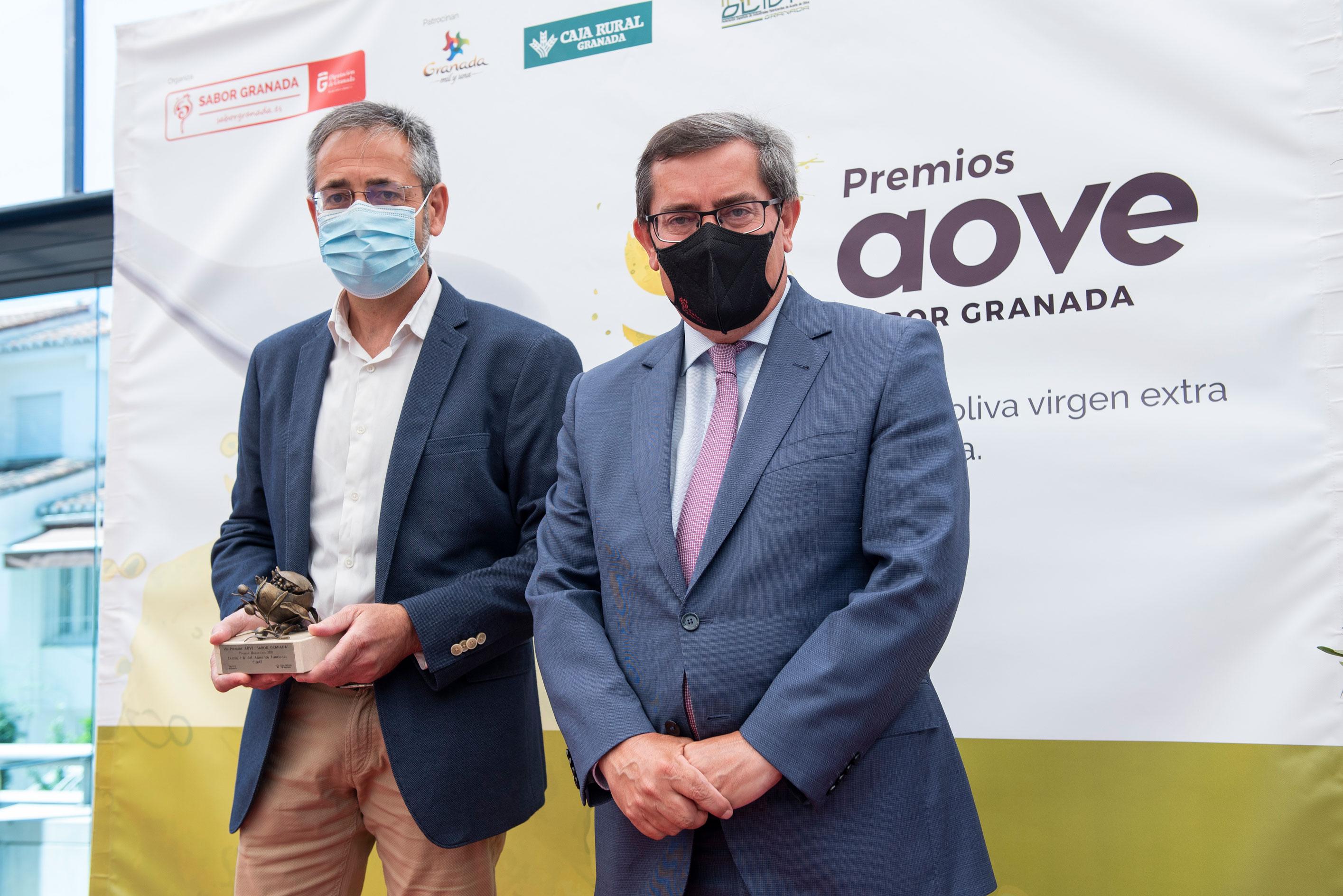 Centro de I+D del Alimento Funcional recoge el Premio Honorífico de la Séptima Edición de los Premios AOVE Sabor Granada
