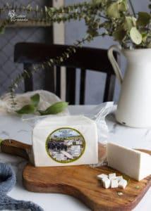 Queso de cabra freso de Cortijo el Aserradero para hacer salmorejo de remolacha - Sabor Granada