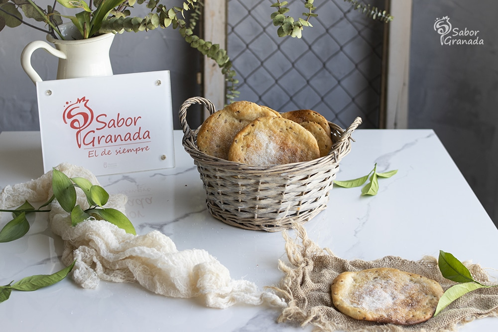 Receta para hacer tortas de aceite - Sabor Granada