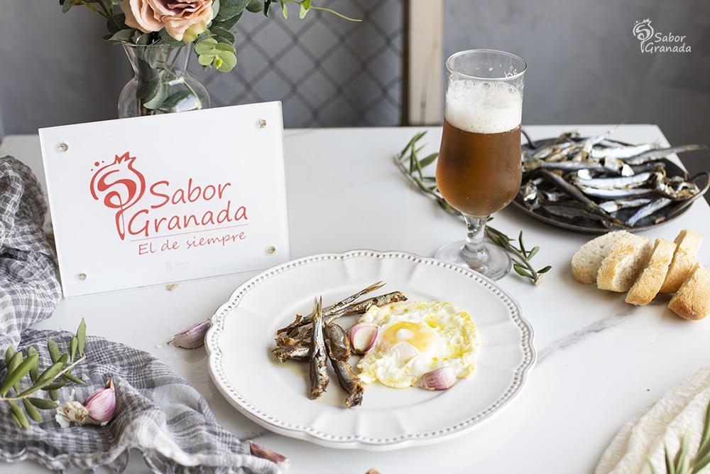 Receta para hacer espichás con huevos fritos - Sabor Granada