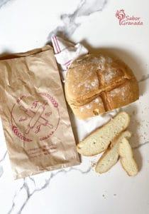 Pan de Panadería Federico para hacer un pudin de coco - Sabor Granada