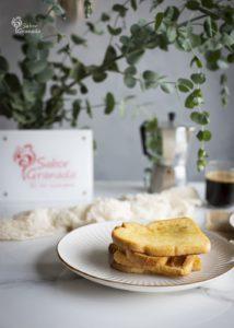 Plato de tostadas francesas - Sabor Granada